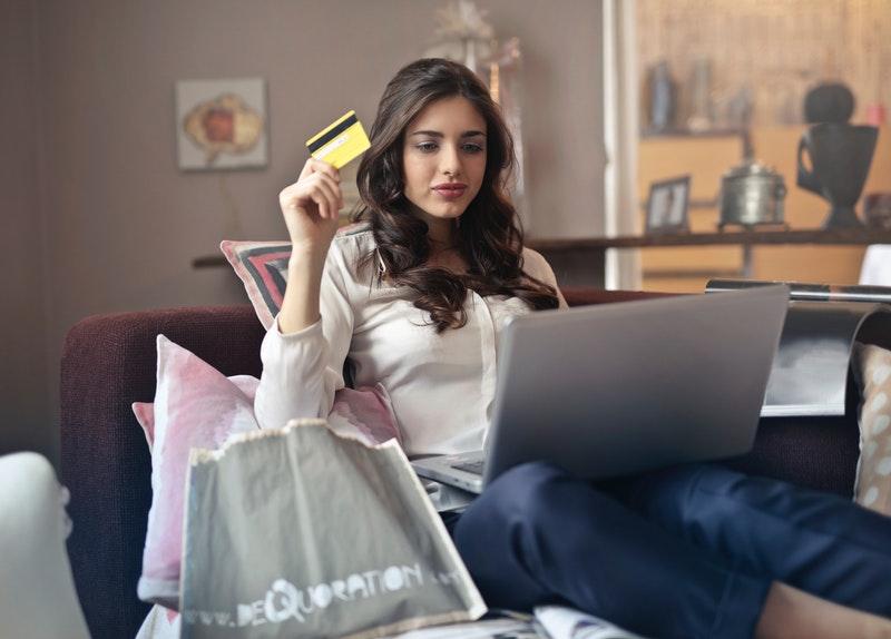 cyber_monday_bladan_za_online_shopping